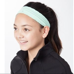 NWT Lululemon Fly Away Tamer Headband Mint